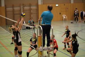 Anika Zülow im Angriff gegen die Sportfreunde Brandenburg