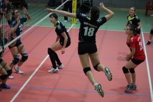 Jung, dynamisch, erfolgreich: Anika Zülow punktet gegen die Blankenburger Volleyballfreunde